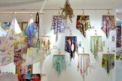 「GCGC」にて「ARTS & TEXTILES」をご紹介いただきました。