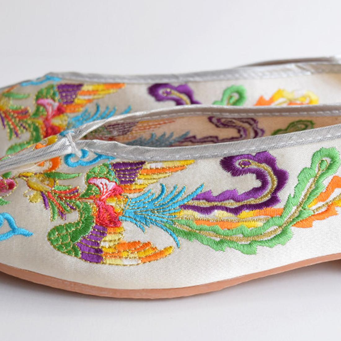 台湾刺繍シューズ D