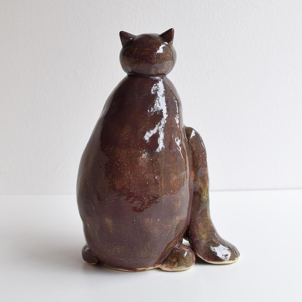 作品「座る猫」