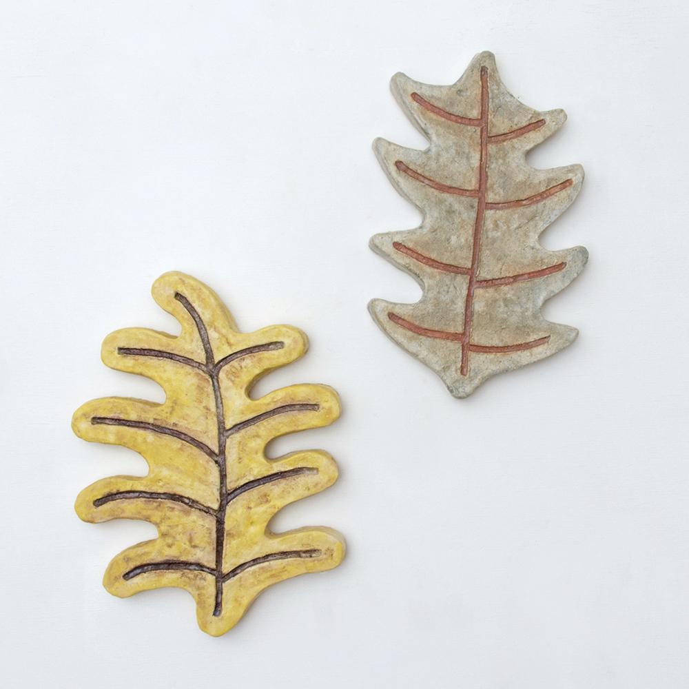 作品「dancing leaf」(黄)